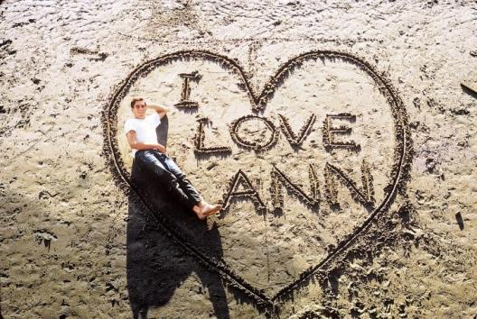 Mitt-Romney-declares-his-love-for-Ann-in-1968-beach-photo