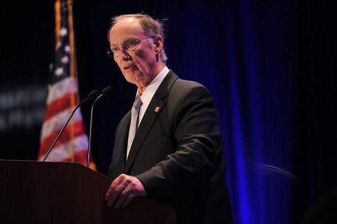 Alabama Governor Bentley speaks at luncheon