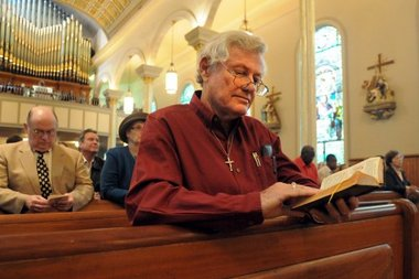 Walter Warren McGehee worships at St. Peter's Catholic Church in Montgomery, Alabama on Nov. 27, 2011. (David Bundy / AP Photo)