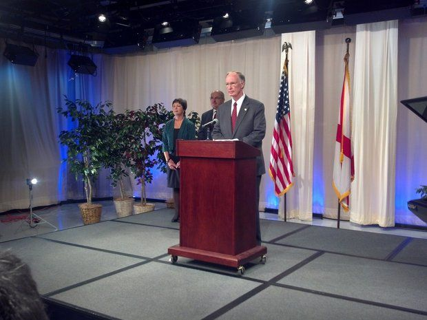 Governor of Alabama, Dr. Robert Bentley, MD makes a Press Conference Wednesday, 08October2014 to assert Alabama state readiness for Ebola virus.